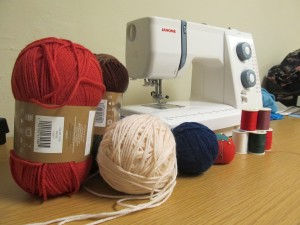 Sewing Circle Yarn & Machine